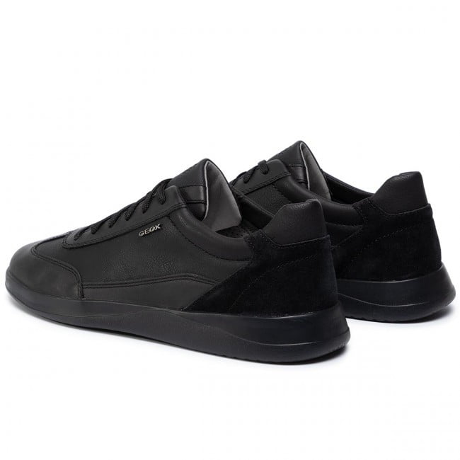 Casual Sneaker Total Black 2