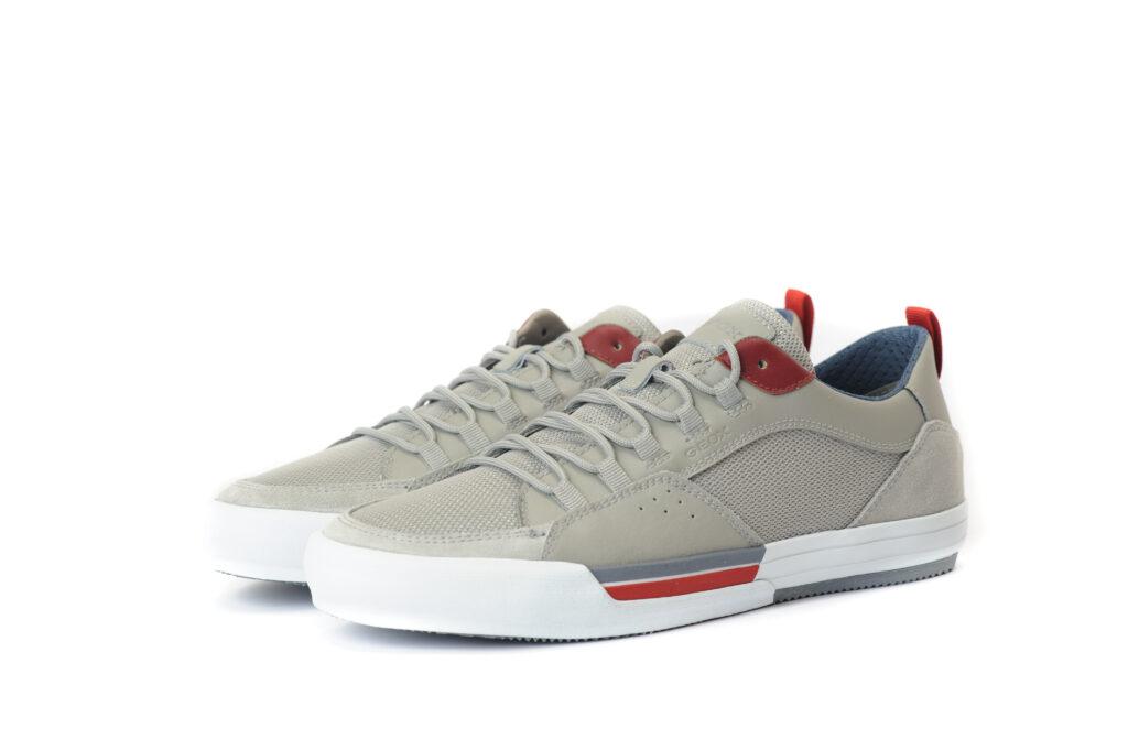 Black Friday 2020 Casual Sneaker με κόκκινες λεπτομέρειες