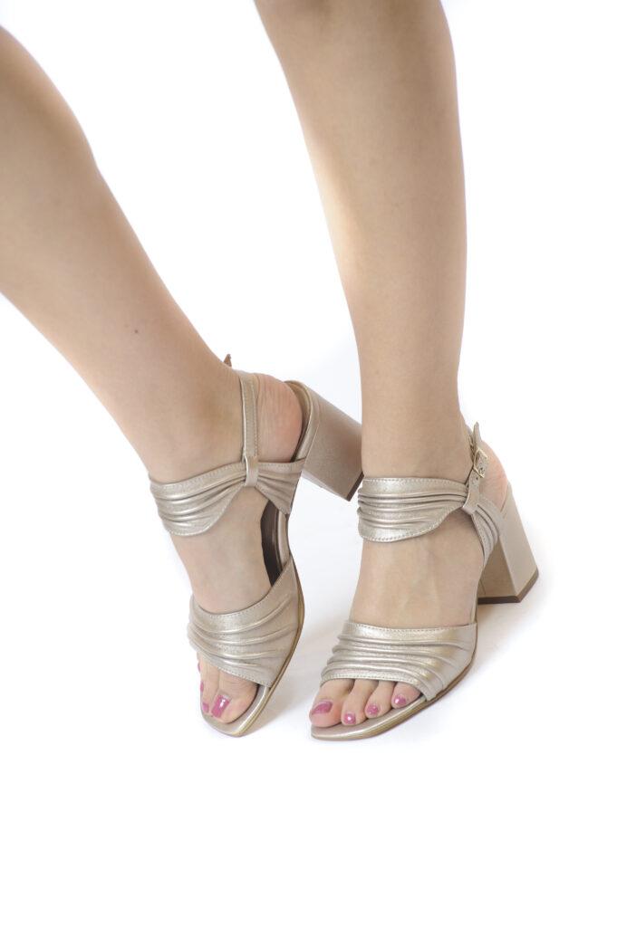 Γυναικεία Παπούτσια Γυναικείο Πέδιλο με Μεσαίο Τακούνι