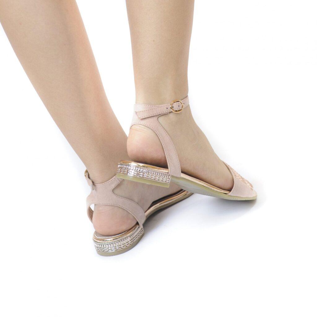 Γυναικεία Παπούτσια Flat Πέδιλο με Διακριτικά Στρας στο Τακούνι
